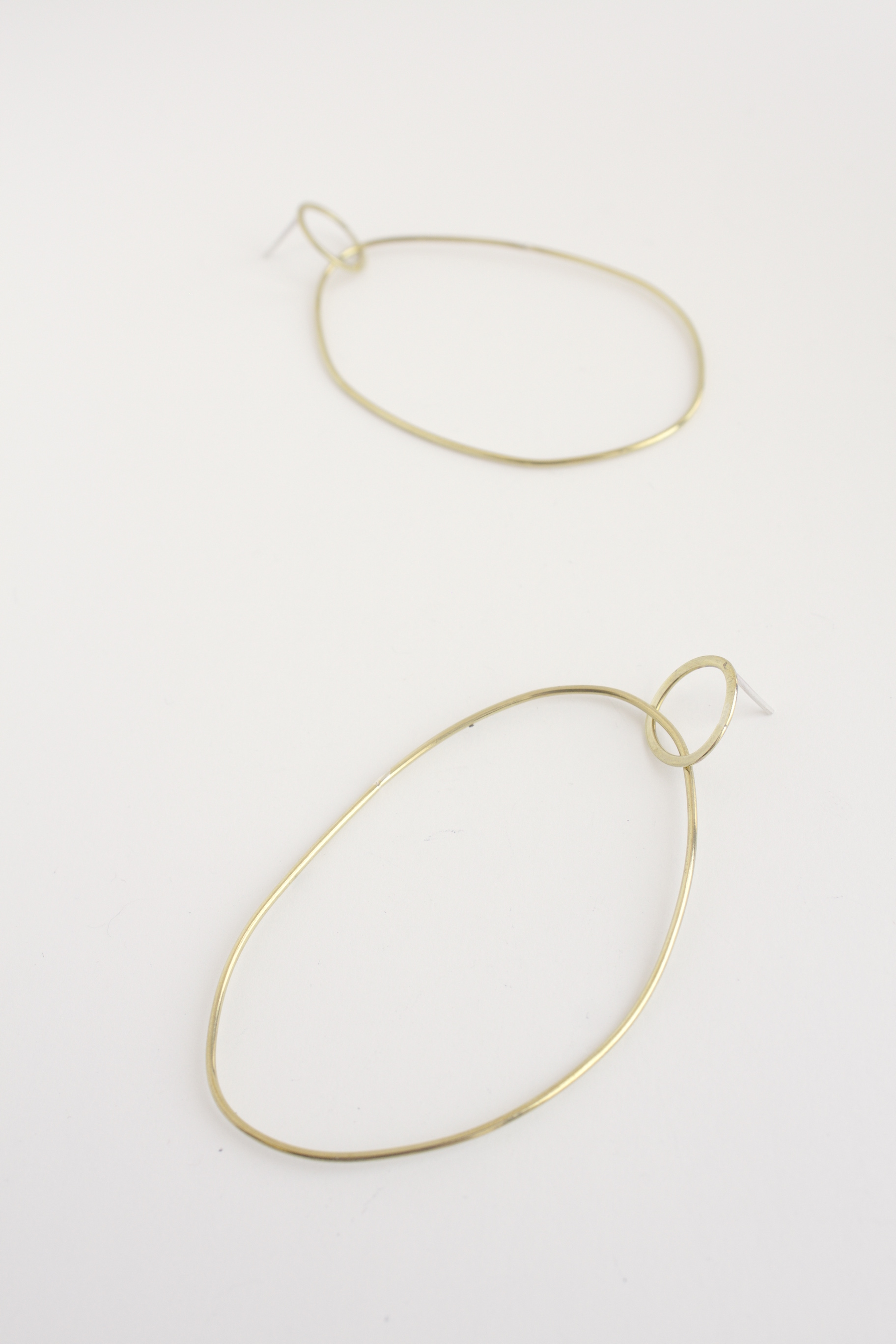 A mix between the old and new, this earring is both modern and classic.