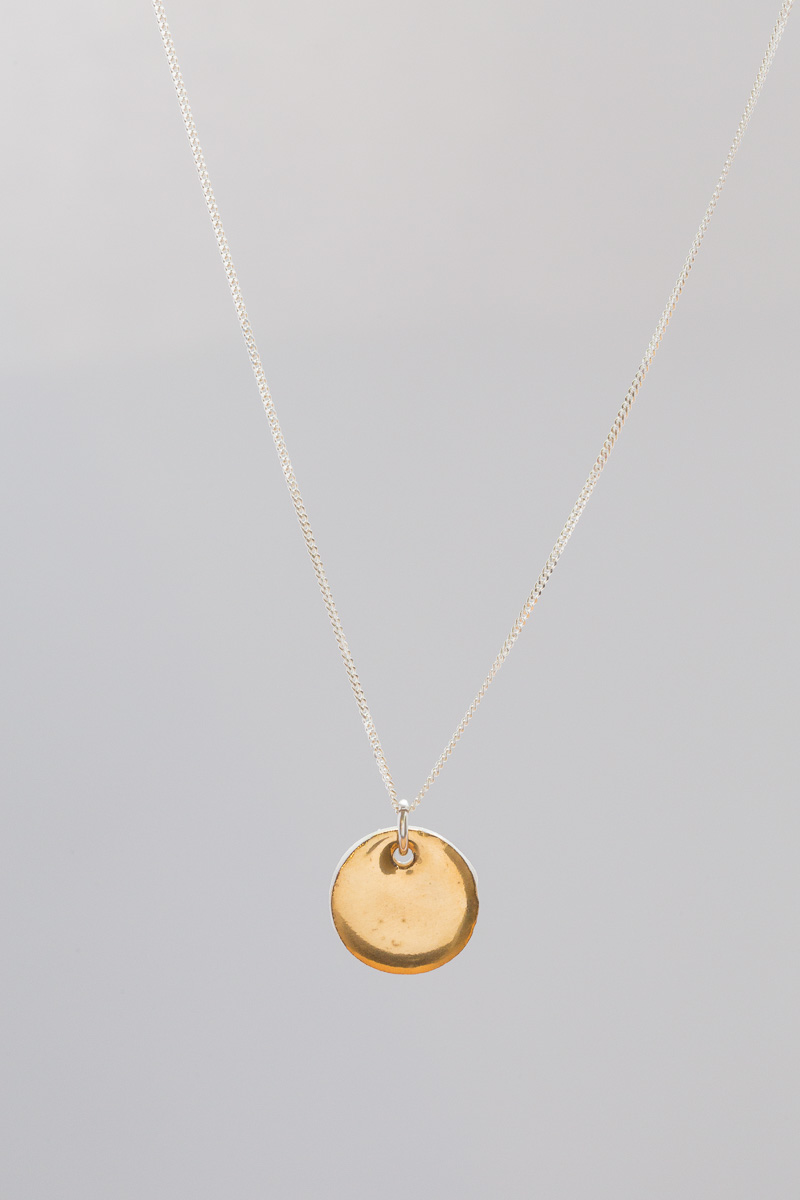 15 mm x 15 mm | 45 cm sterling silver chain | Porcelain necklace painted with 18 karat gold lustre