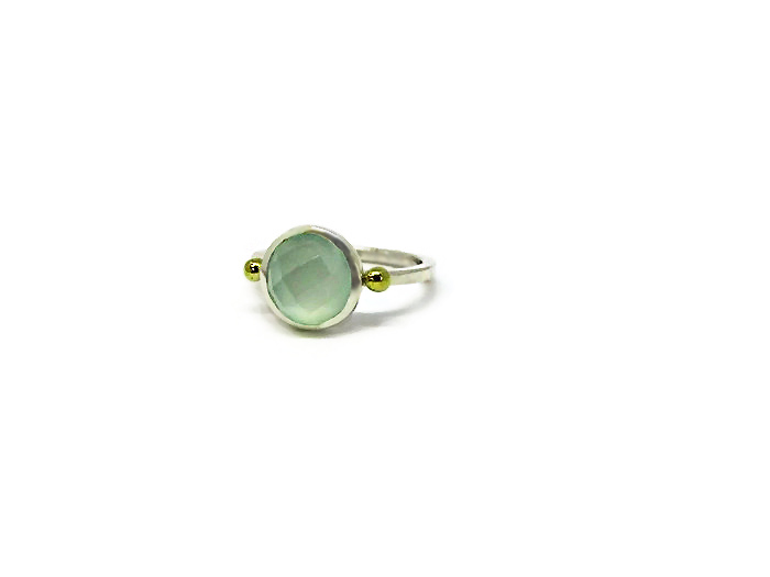 Berryl Gemstone ring