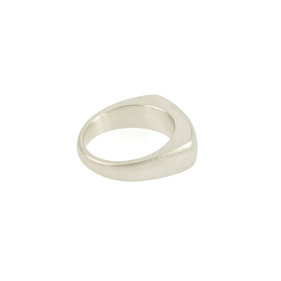 Inspired by misty mornings by the lake, choosing the perfect pebble for skipping, assessing its weight and smooth tactility.  The pebble rings are designed to imbue this same quiet contemplation.