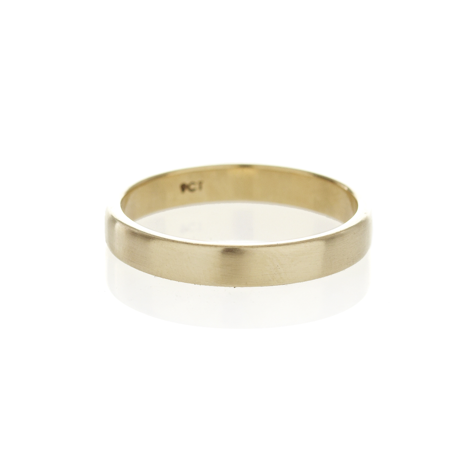 A square profile, 9ct yellow gold men's band, with a brushed or polished finish.