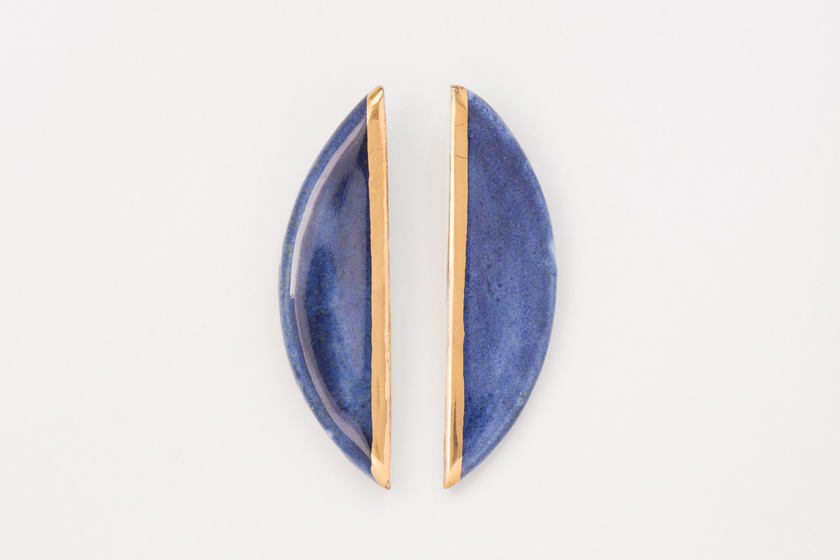 50 mm x 15 mm | Sterling silver | Porcelain earrings painted with 18 karat gold lustre