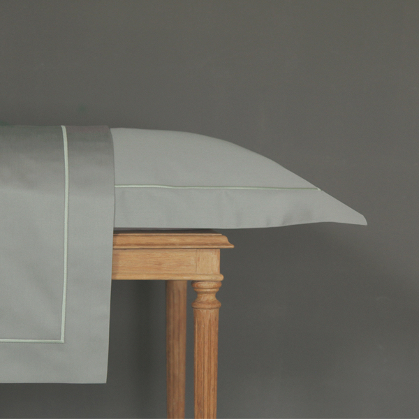 Signature Collection - Oxford Single Satin Stitch Pillowcases (2) - Oyster on Shadow