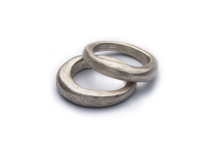 plain rings to be worn on it's own or stacked