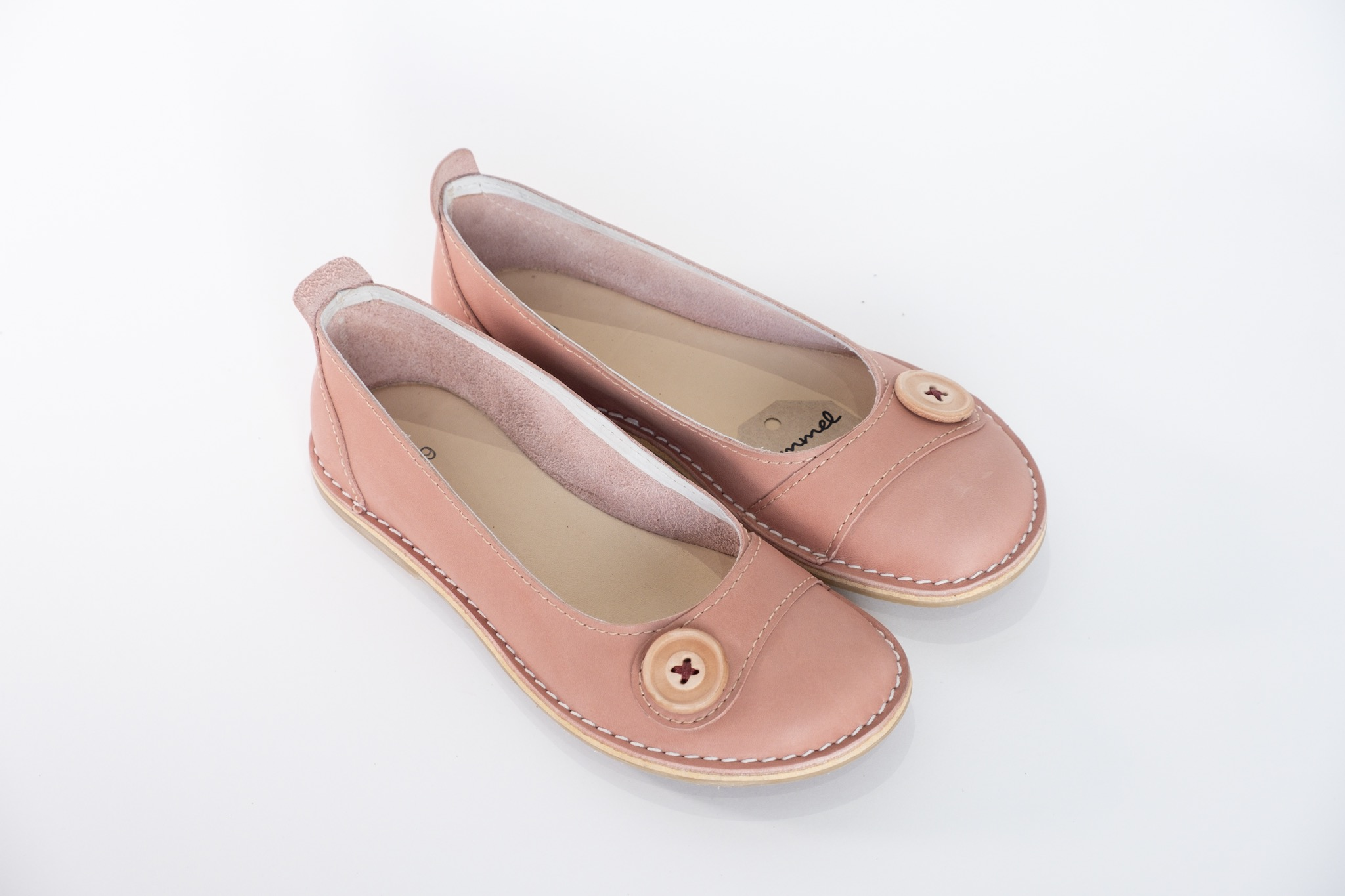 We are proud to launch our Zuri ballerinas, our classic, all–leather shoe that offers style, character and flair.  They can be worn with anything! Dress it up for an elegant look, or dress it down for casual wear, these ballerinas bring a unique and relaxed charm.