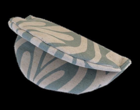 Plate Holder - Henna leaves (Duck egg on Natural)