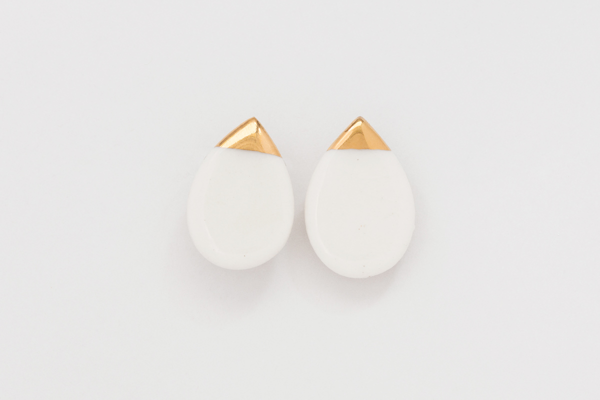 20 mm x 15 mm | Sterling silver | Porcelain earrings painted with 18 karat gold lustre