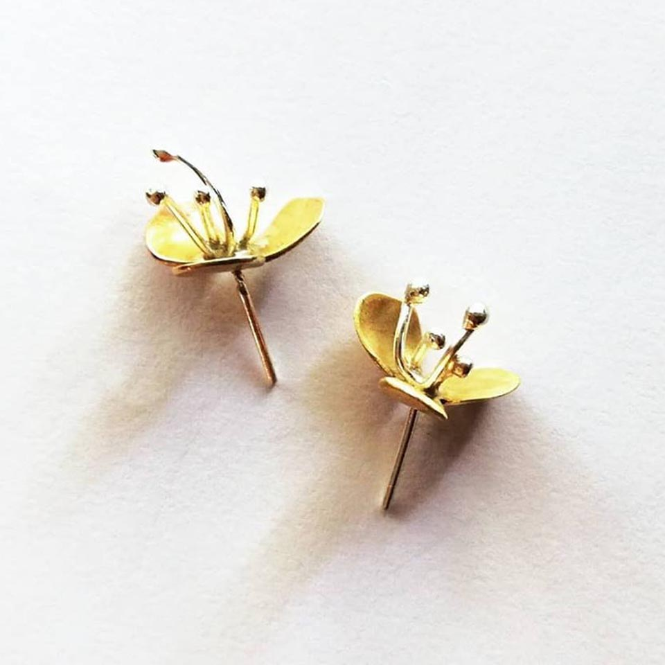 DAYFLOWER Stud Earrings are available in your choice of brass, copper or silver and they have a sterling silver earring post.