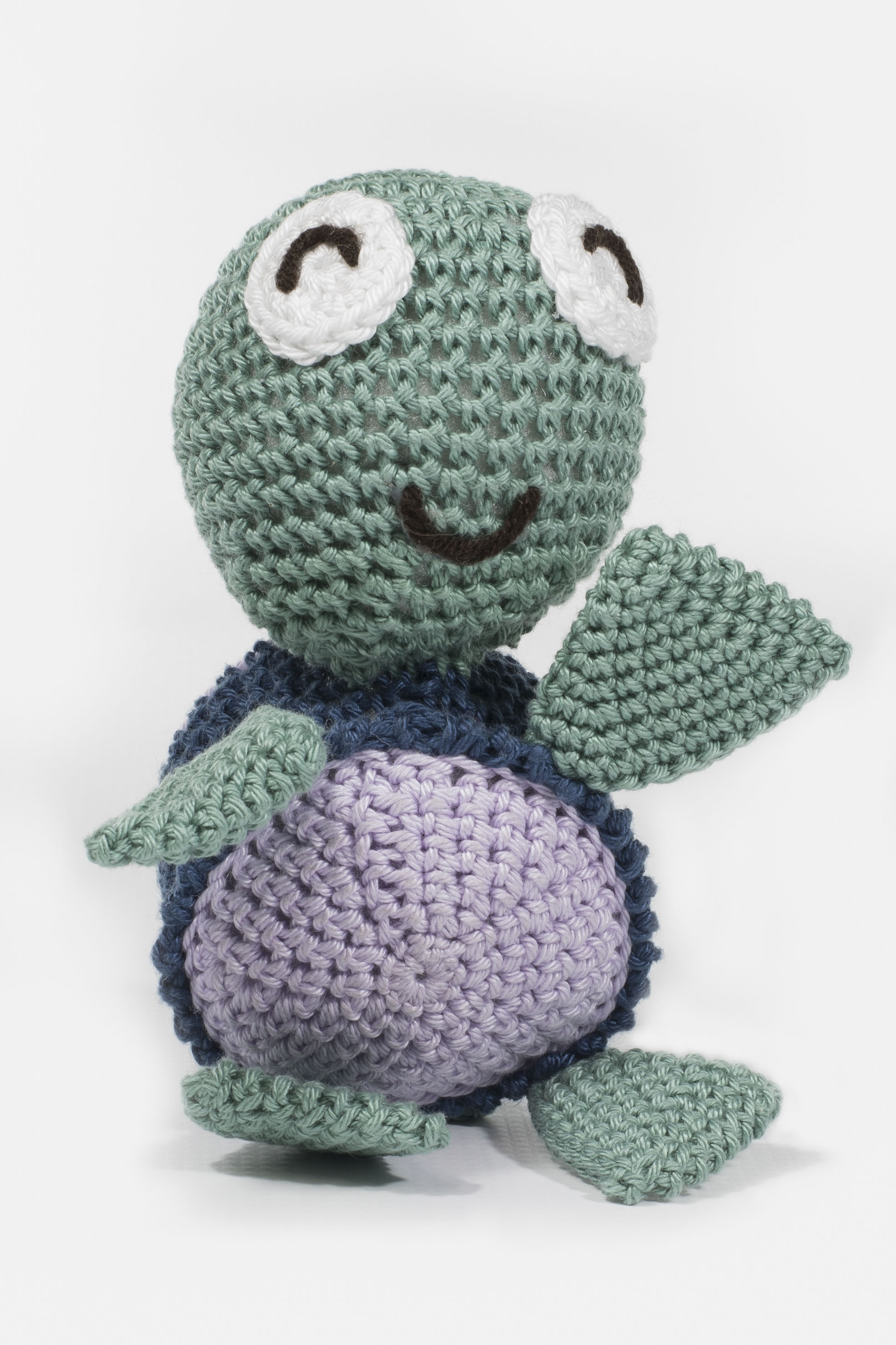 Beautiful hand crocheted turtle for your little one to get comfort and an awesome cuddle.  Length 16cm, Width 11cm, Height 6cm