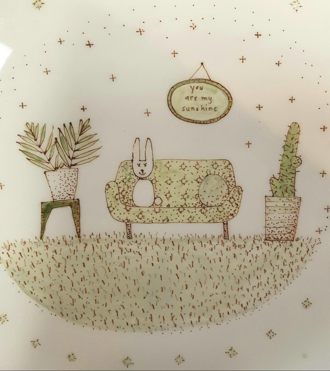This plate adds something special to your nursery!  See three options available. These sketches are done by hand and may vary to the picture.  Bracket included.  Width: 27.5 cm