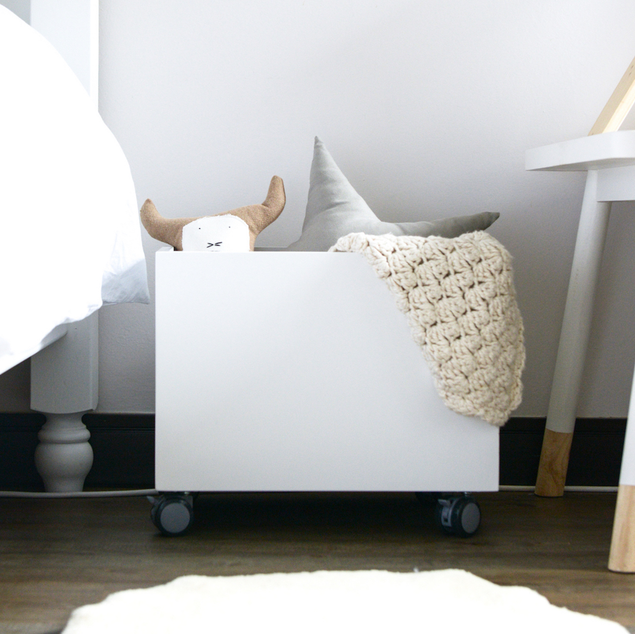 A simple effective way to organise a room or use it for storage for your childs toys.Our storageboxes are versitile and easy to move around withtheir wheels.   DIMENSIONS  Length - 430mm  Width - 320mm  Height - 345mm   FINISHES  Natural Wood - Birch Plywood  White Sprayed MDF  Custom - please email us should you like a custom quote   This product ships fully assembled.