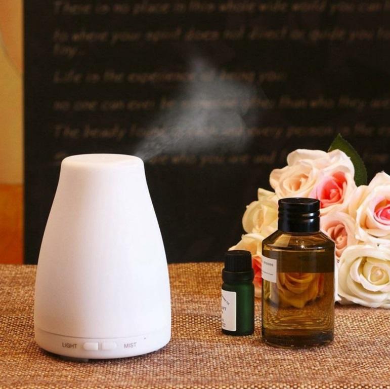 LOOVE Jasmine Ultrasonic Aroma Diffuser + FREE Essential