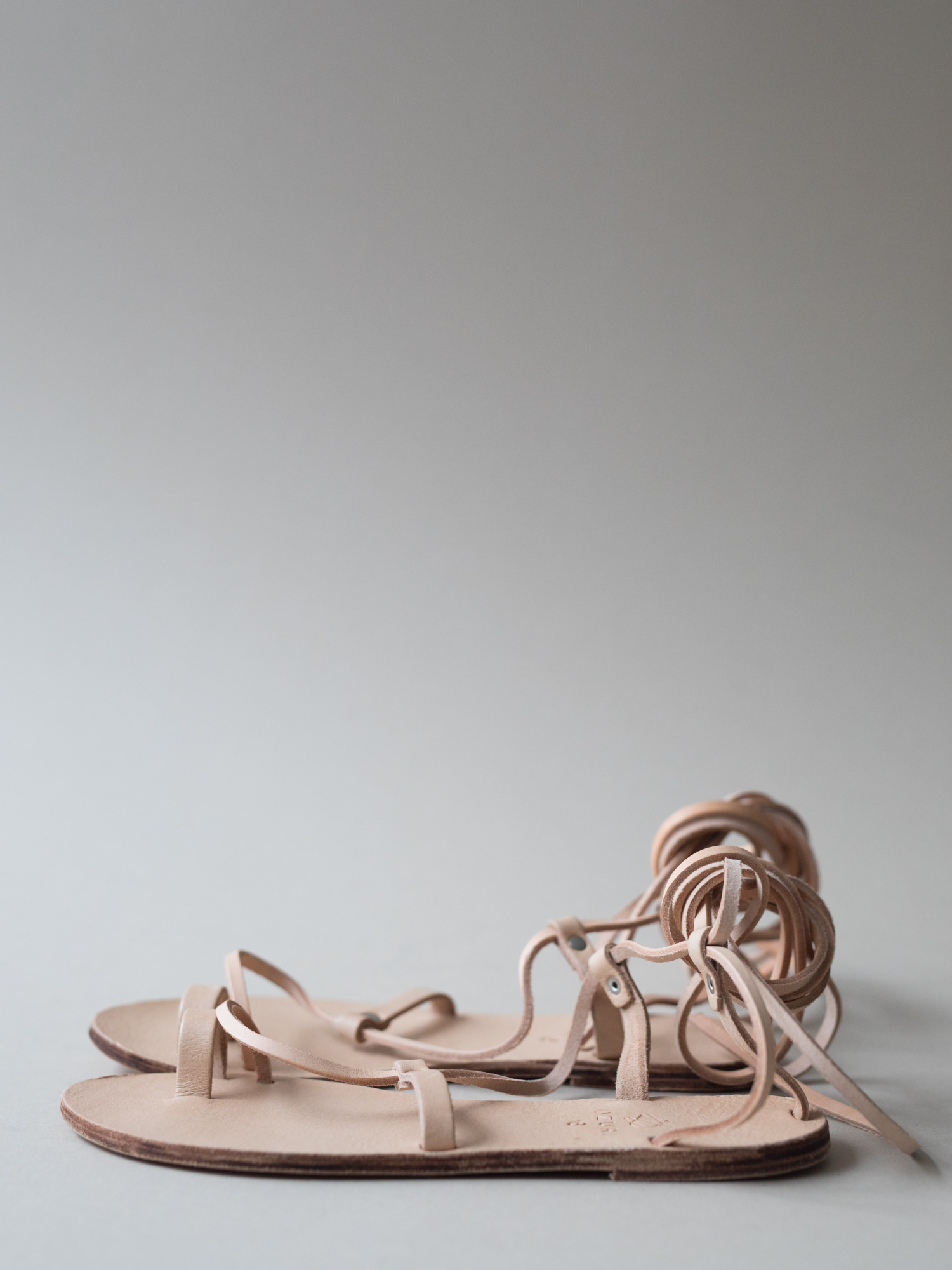 Delicate, yet diverse & just as durable as the MOJA or FUNDO, these all-leather sandals are the perfect companion to breezy summer skirts or sun drenched & sand filled beach days. The simplicity of the design called for an unadorned colour palette of vegetable tanned leather. 