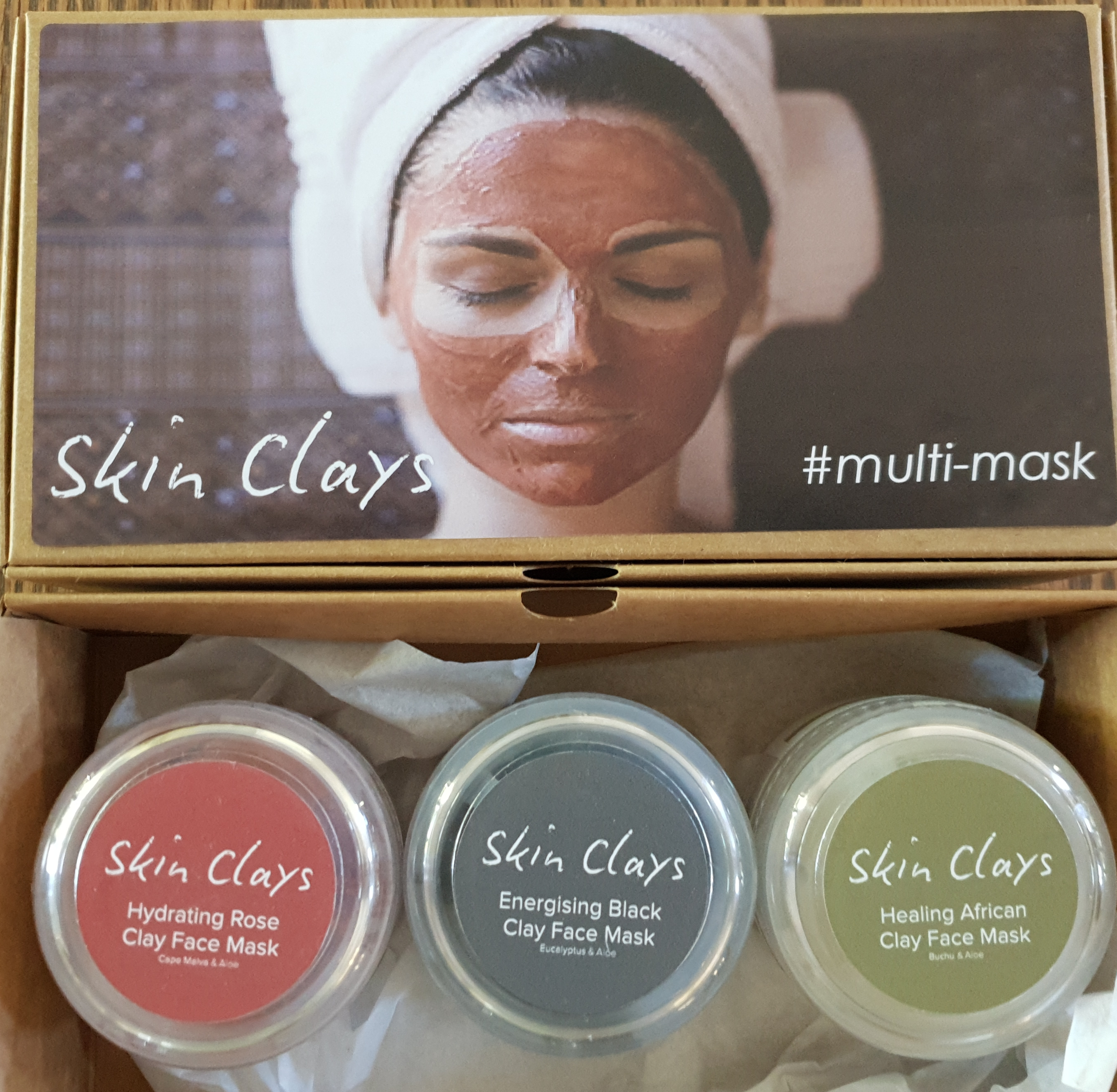 Your #Multi-Mask Gift Set incl.  1 box  1 Energizing Black Face Mask (50g)  1 Buchu Face Mask (50g)  1 Cape Malva Hydrating Face Mask (50g)  (see the individual products listed to learn more about each product ingredient list)  Use different masks on the different areas if the face to focus on a specific need per area, or use a different mask each week to boost, energize, detox, hydrate or heal your skin.