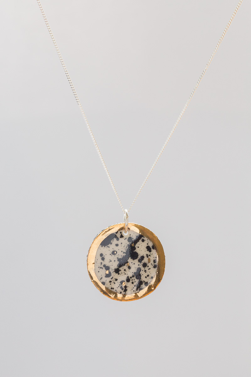 Porcelain necklace painted with 18 karat gold lustre