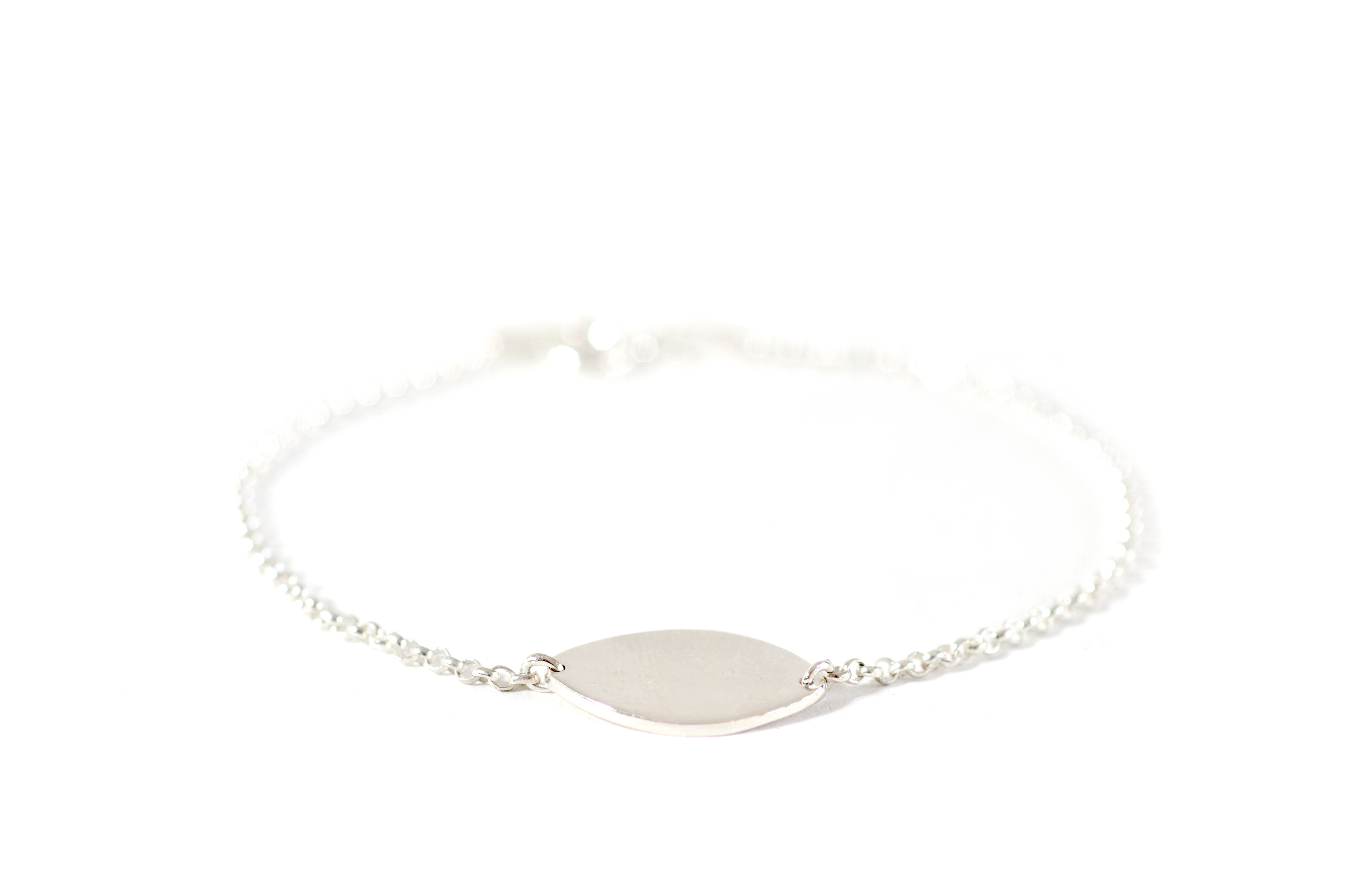 Closed Drawing Bracelet Silver
