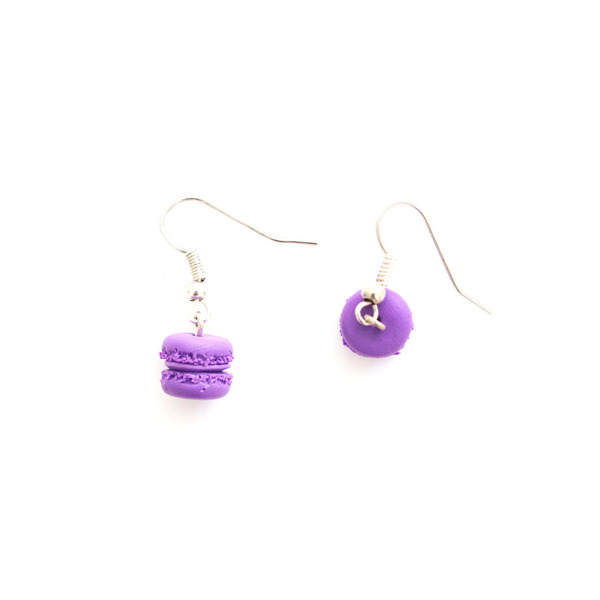 These totally delightful, adorable and unique macaroon earrings are handmade from polymer clay with love to decorate your ears!