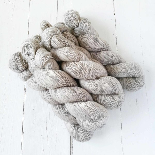 Linen is a neutral colourway inspired by shades of oatmeal, linen, calico - hovering on the cooler side of things. It pairs well with a host of colours in the shop.