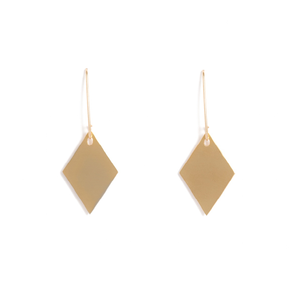 Classic drop diamonds are available in yellow gold plated brass with rolled gold hooks or rose gold plated copper with sterling silver hooks. They are simple and clean and hung specifically so that they move and dance to flicker and reflect the light. The diamonds are 2cm long x 1cm wide and hang on elegant drop hooks.