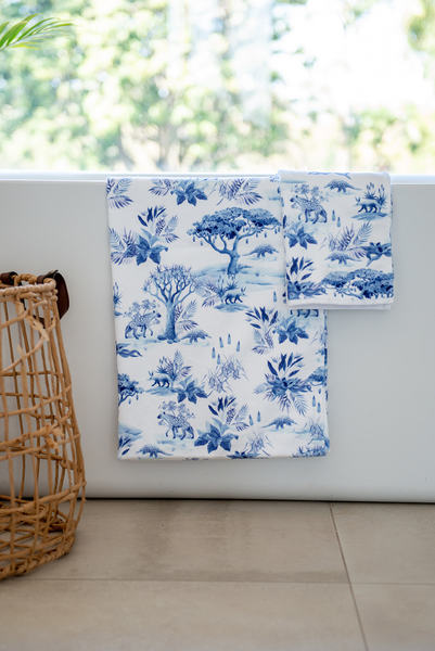 Our own version of African Delft   Size: 370 x 600 mm 365 gsm Printed velour front, with plain terry back   ( Pictures showing Guest Towel and Bath Towel)