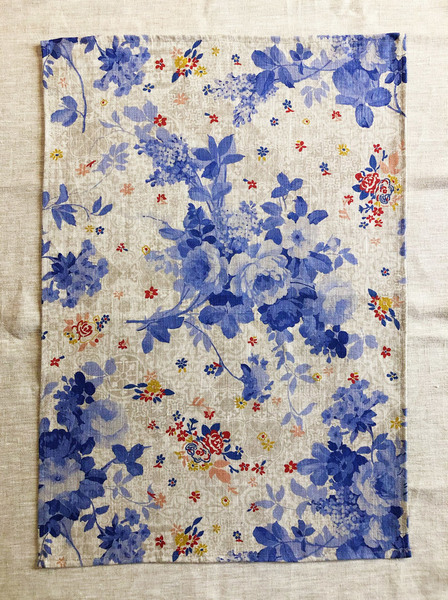 Delft Floral Linen Cloth