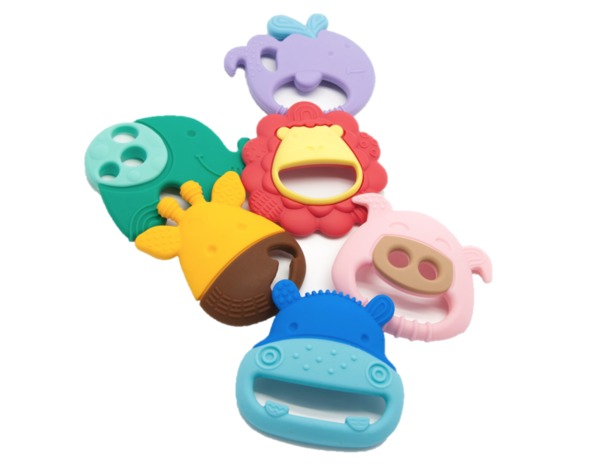 This is not an ordinary teether! Marcus & Marcus' fun, durable and lightweight Sensory Teether features up to 5 different textured surfaces for your little one to explore. With bumps, ridges, dips and more, this teether is designed to simulate the different textures of food to develop a child's food-related sensory experience.