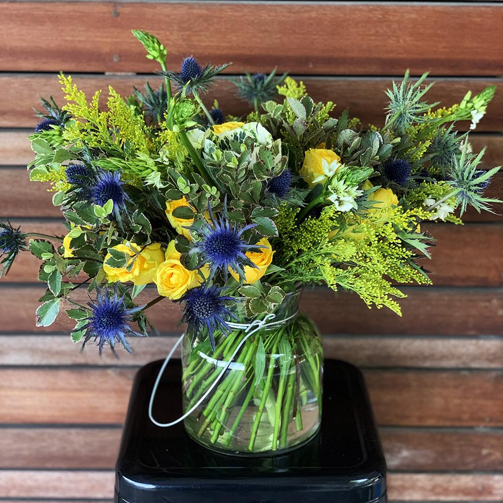 Leroos vase blooms