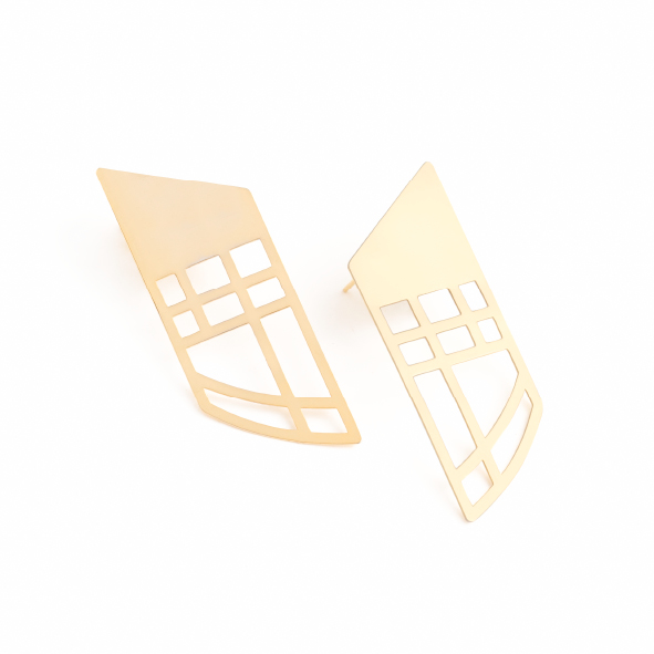 These pieces represent an entrance, a gateway, the ever-important first impression. Make your own entrance in our gorgeous Golden Gate earrings. Available in yellow gold plated brass with sterling silver studs. Size: 6cm long x 2cm wide