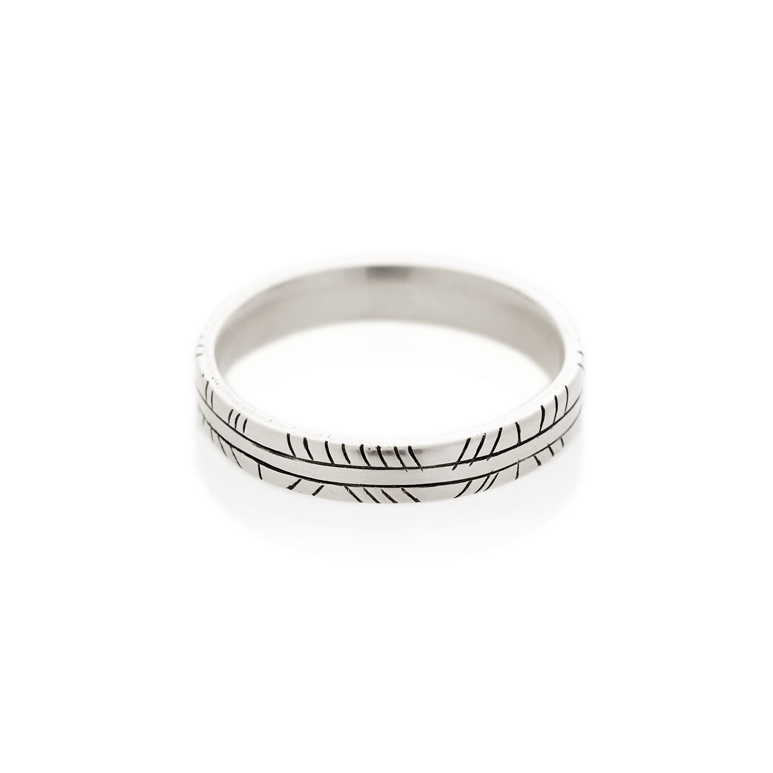 Half diagonal striped men's band