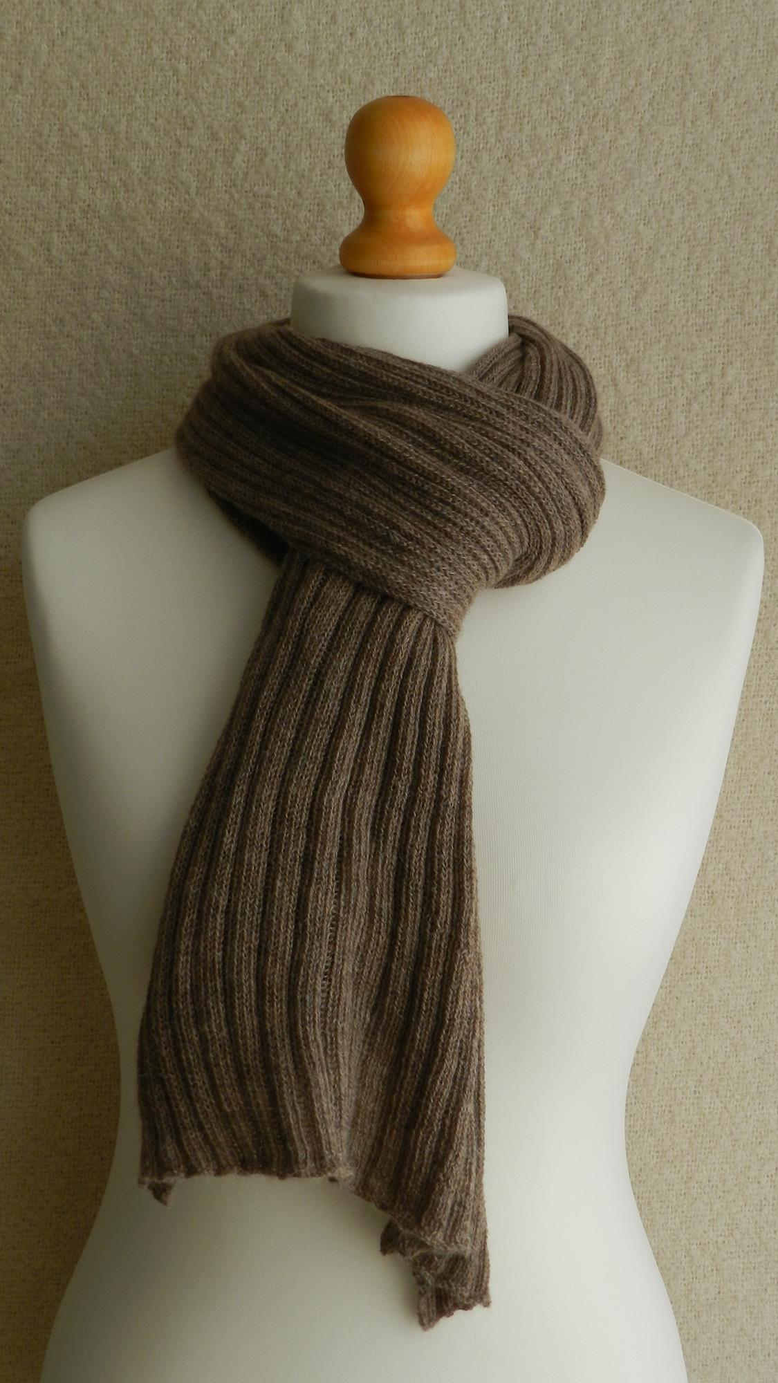 SCARF - RIB KNITTED