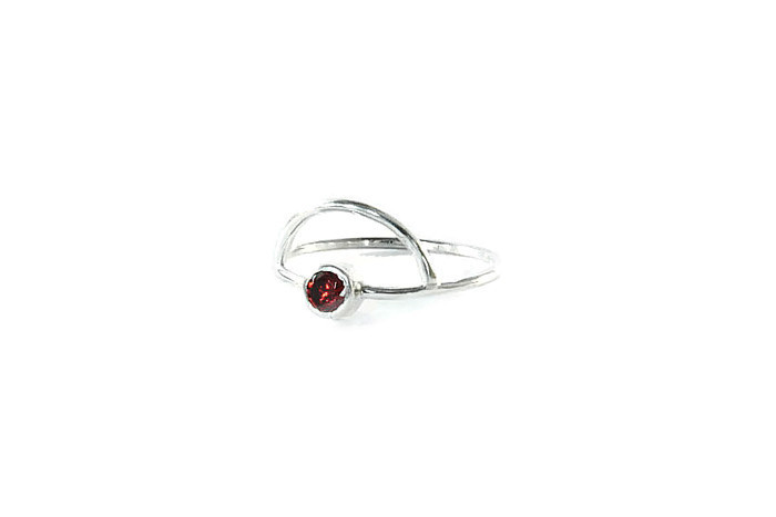 Sterling silver ring with arch detail and 4mm semi-precious stone.