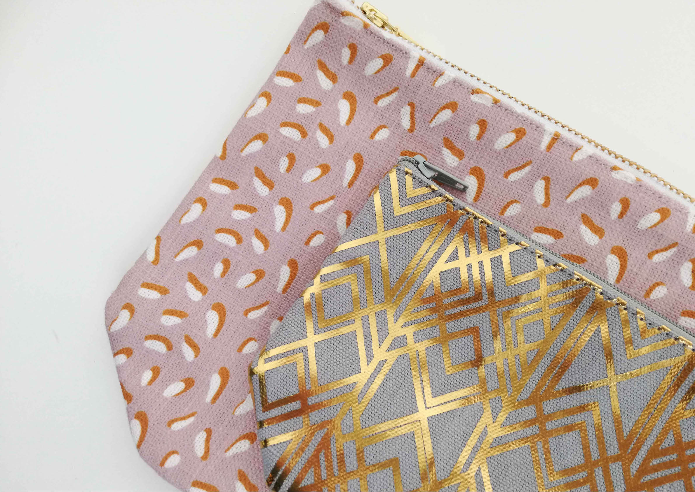Memphis pink gold pouch